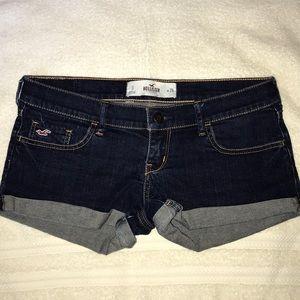 Hollister dark wash denim shorts size 3 (26)